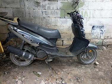 se vende moto scooter usada