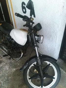 Moto Um Max