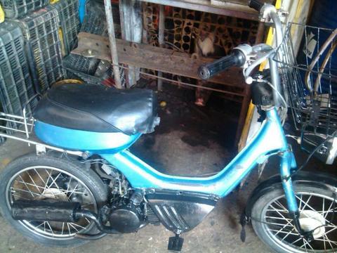 Moto F a Suzuki Dos Tiempo