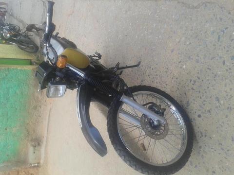 se vende moto yamaha dt trial 2008