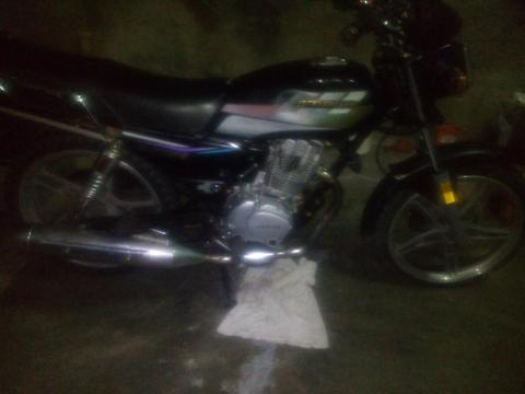 vendo moto horse año 2012 buenas condicones