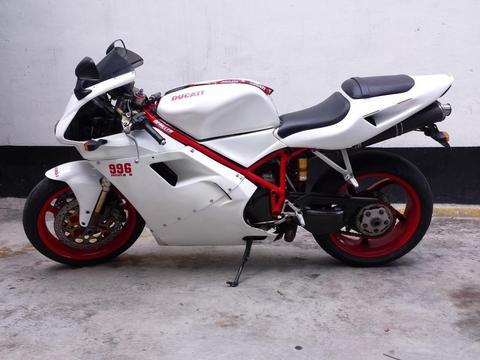 Cambio o vendo Ducati 996 2001