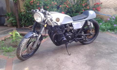 VENDO MI CAFERACER SUZUKI GS 550 E 1978