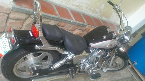 VENDO MOTO ITALIANA REGAL RAPTOR 250 CC