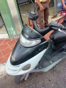 Vendo Moto Empire Auto
