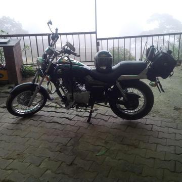 Vendo moto Bajaj Avenger
