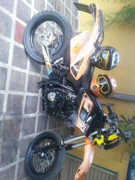 Moto Enduro Modelo Dsf Marca Um