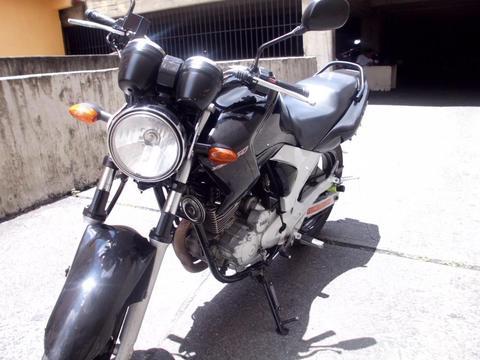 Yamaha Fazer 250. CAMBIO O VENDO