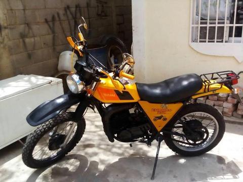 Moto Yamaha Enduro 250