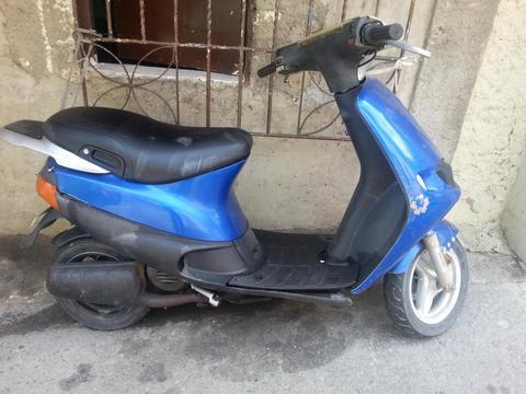 Se vende moto Piaggio Zip 80