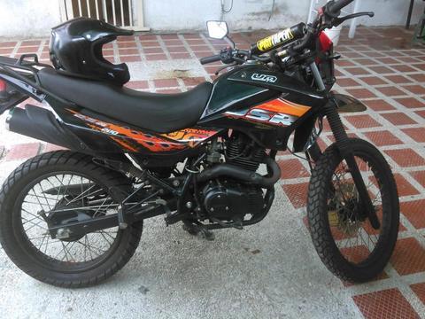 moto UM Modelo DSR 200 IMPECABLE