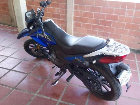 Moto Empire Tx 200 2012