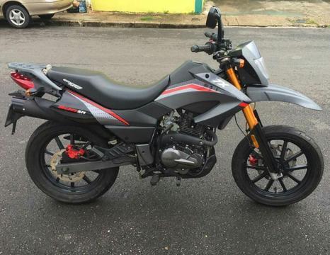 Moto Empire Tx 200