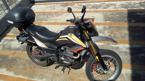 Moto Tx 200