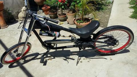 Vendo Bisicleta Choper con Motor 2 Tiemp