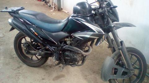 Se Vende Moto Bera 200 a Buen Precio Neg