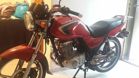 Bella Suzuki En 125 Realizo solo cambios por motos de mayor cilindrada