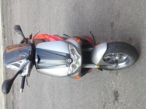 MOTO GILERA RUNER 180