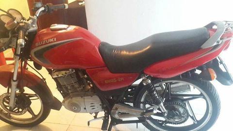 Suzuki En 2011 Solo cambio por moto Automatica