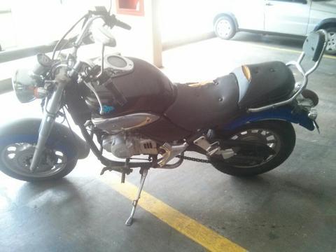 Moto Loncin Año 2009 Usada