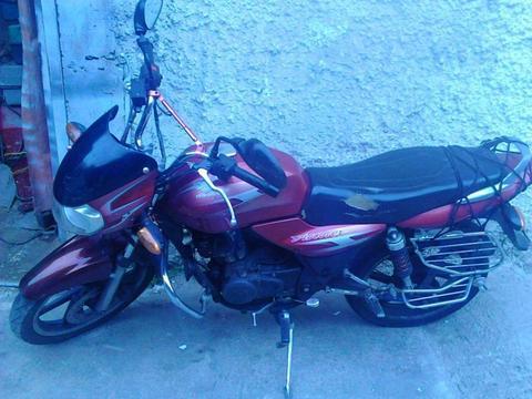 vendo mi moto por viaje negociable