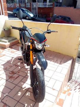 Bella Moto marca Loncin modelo Rover 250cc A EXTRENAR!!!