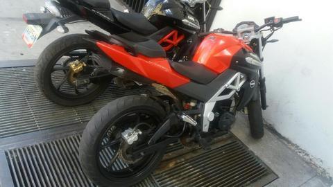 Um Xtreet 250cc 2014