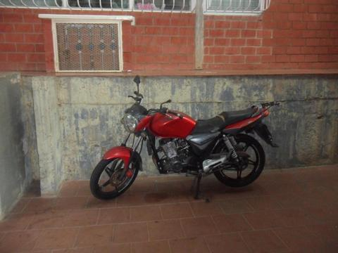se vende moto marca empire modelo speed 200 año 2013