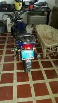 Moto F Y M