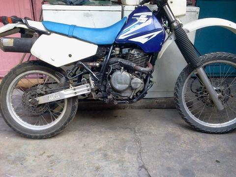 CAMBIO MOTO DR 250 POR MOTO CHOPPER O CARRO