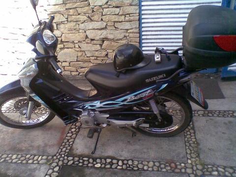 moto suzuki scooter best 125cc 2012 17000km
