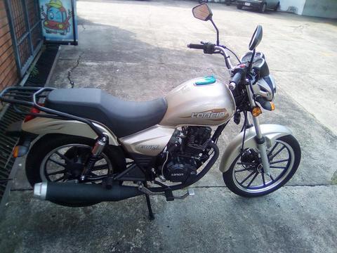 a la venta hermosa moto totalmente nueva para mayor información llamar al 04266784831