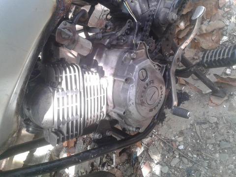 vendo moto yamaha crus por no tener para reparar 04241244024