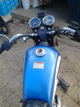 Moto Bera Leon