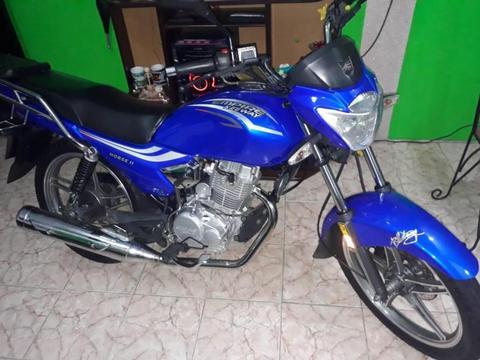 Se vende moto en excelentes condiciones