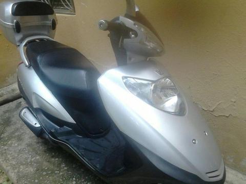 Moto Susuki Skyhawk