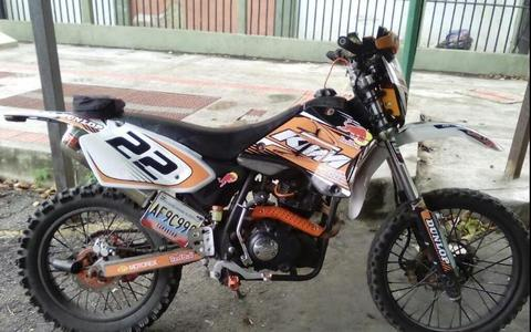 Se vende o cambia DSF 250cc modificado