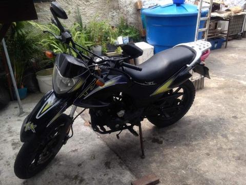 Moto TX SM 200 año 2013