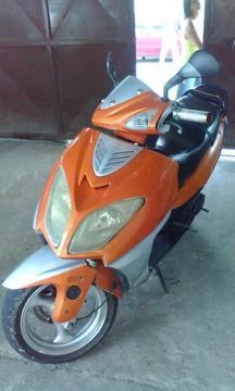 vendo moto escooter buen precio info 04164564213