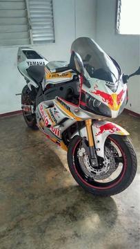 moto fzr yamaha 600