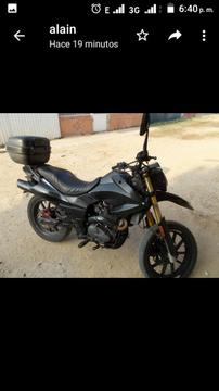 Vendo Moto Empire Tx Año 2013