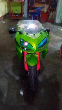Remato Moto Kawasaki 900 por Parte