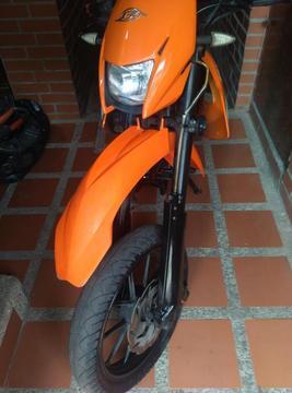 MOTO BERA DT 200 RR AÑO 2013