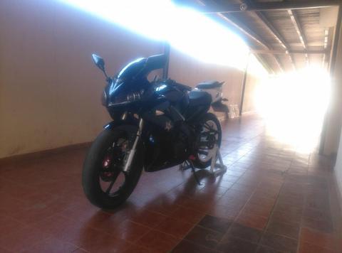 Se Vende Moto Bera R1
