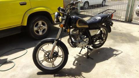 MOTO INDIANAPOLIS 200cc único dueño motor excelente