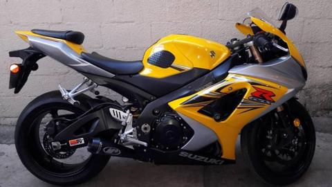 Vendo Bella Suzuki GSX 1000