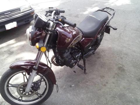 Moto modelo loncin