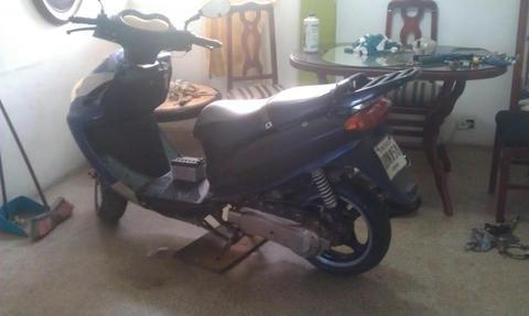 MOTO 150cc AUTOMATICA