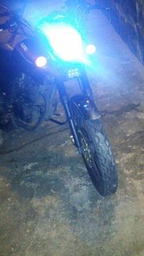Vendo Moto Um 150r