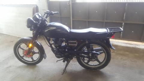 Vendo mi moto bera